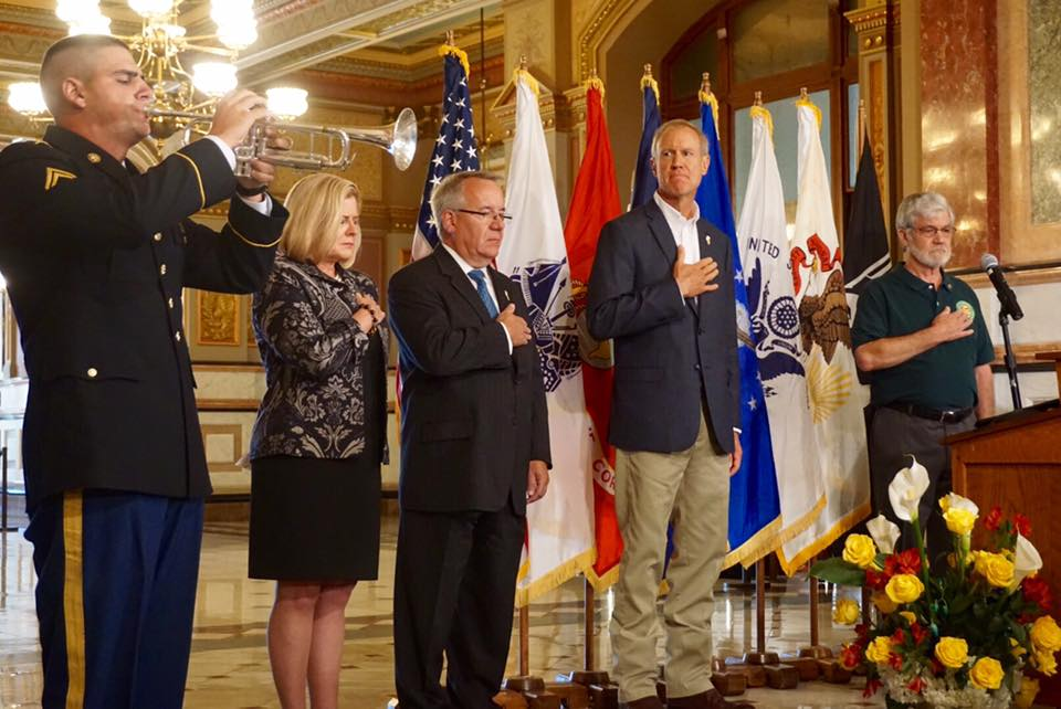 Illinois Gov. Rauner signs Gold Star Family Day bill